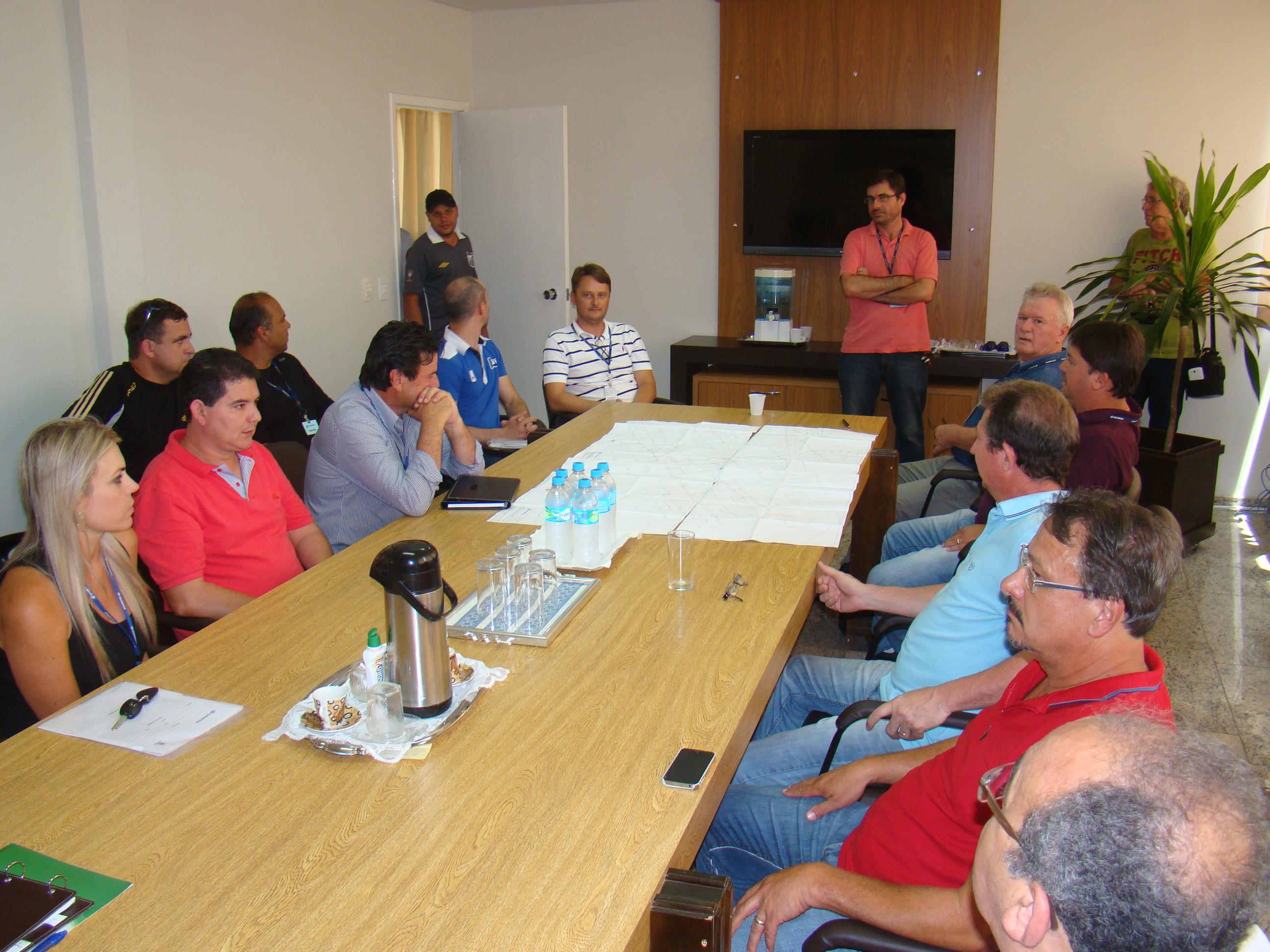 Equipe da Sanepar anunciou a��es emergencias para antecipar a conclus�o das obras de amplia��o do sistema de abastecimento