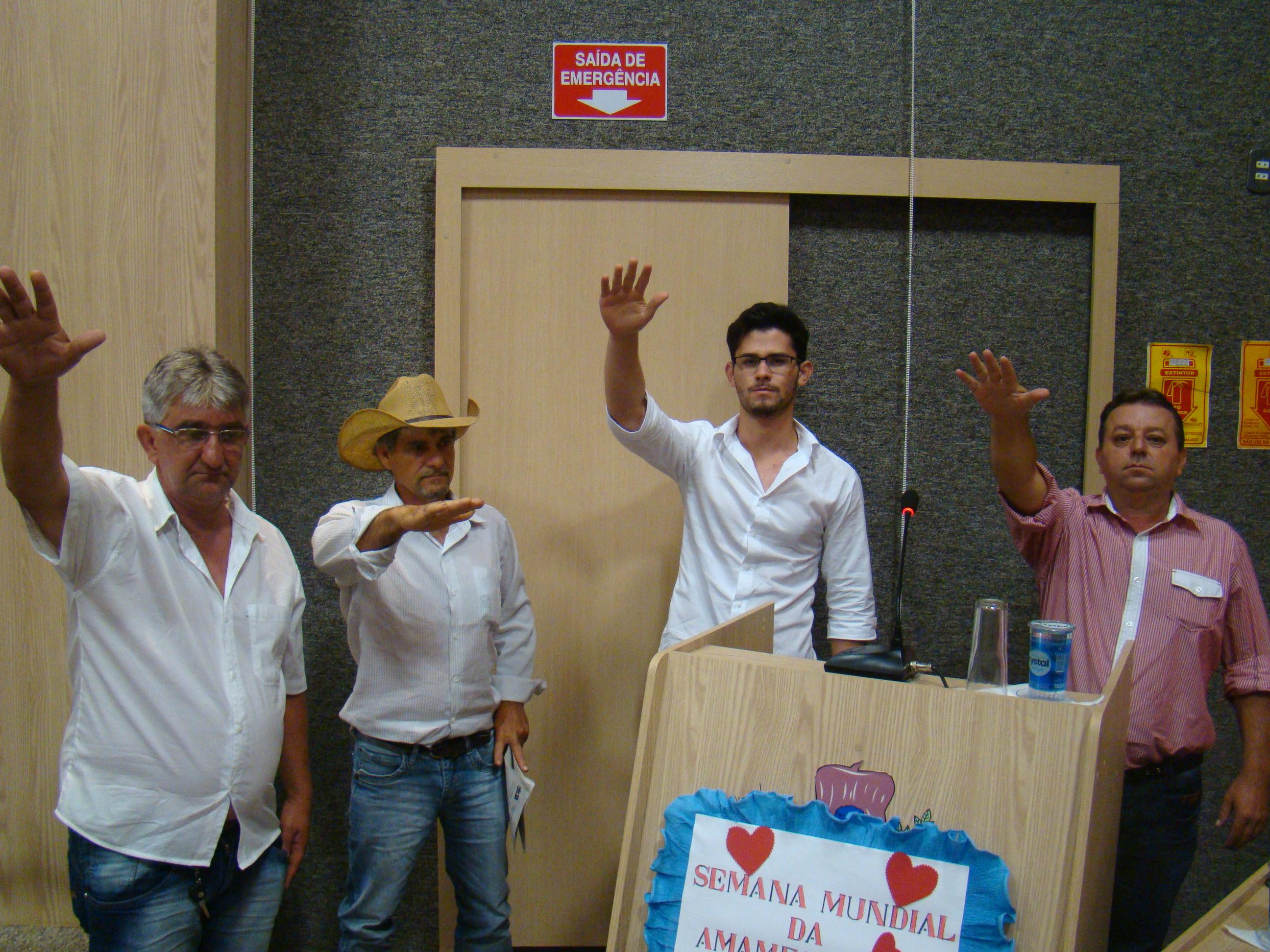 Suplentes Pestana, Acirzinho, Allan e Rico prestam juramento na sessao