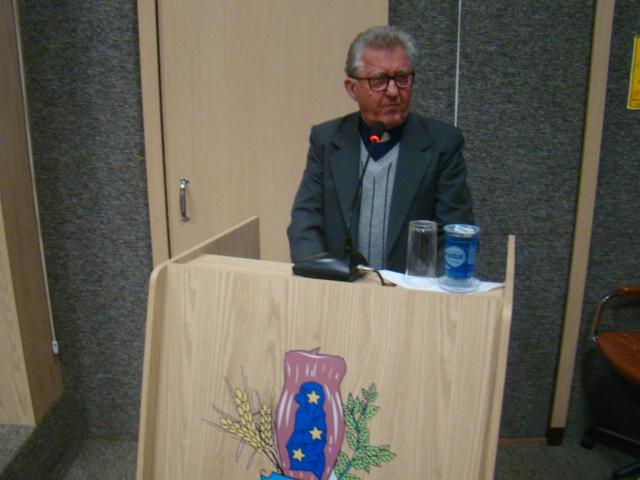 Padre Tarc�sio, atual redator do Jornal