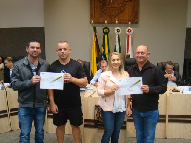Vereador Ad�o, ciclista S�rgio Wosniak; Vereador Lademiro e ciclista Marina Pechefist