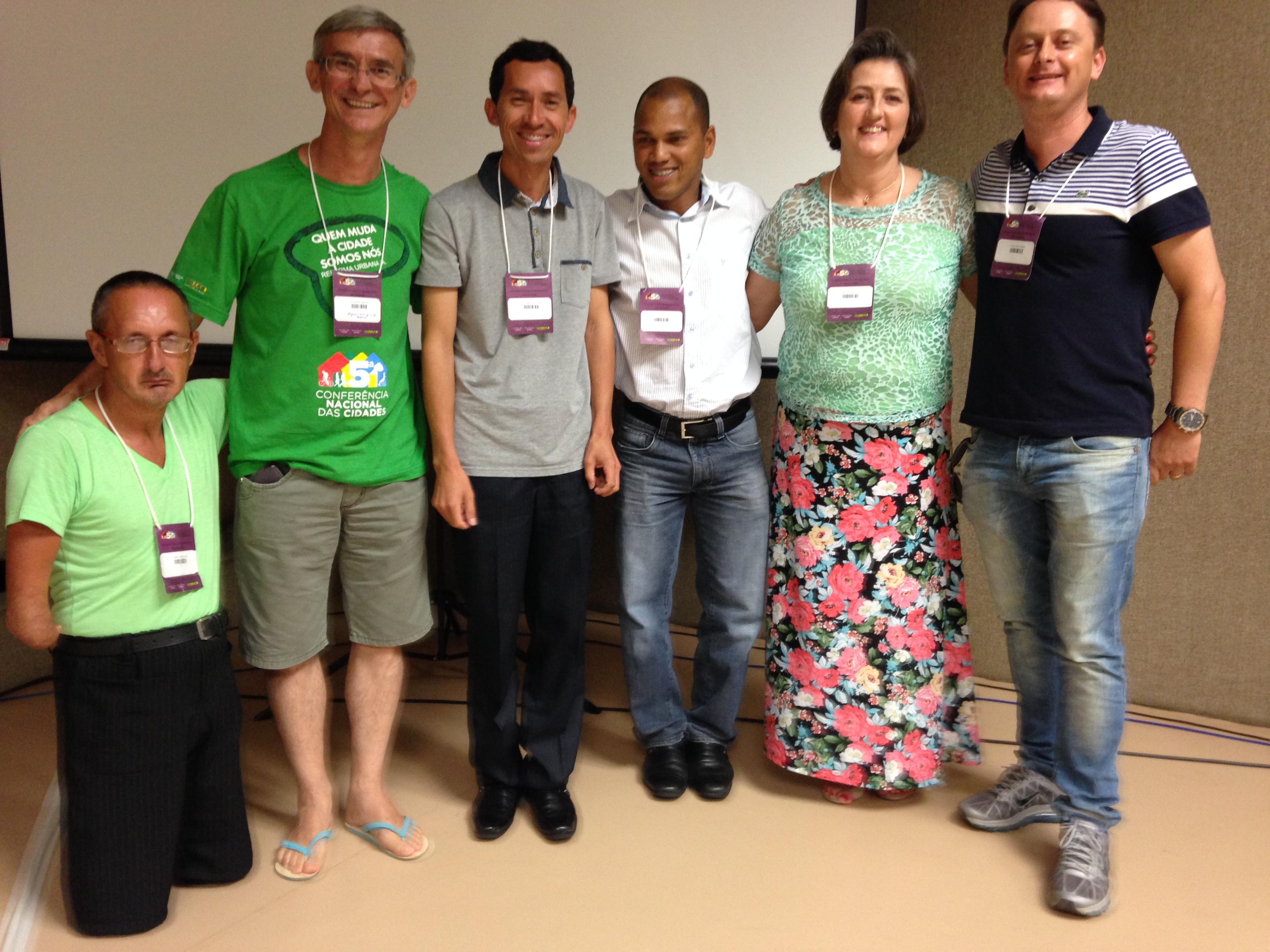 Vereador Luciano junto a representantes de movimentos sociais que estiveram em Bras�lia