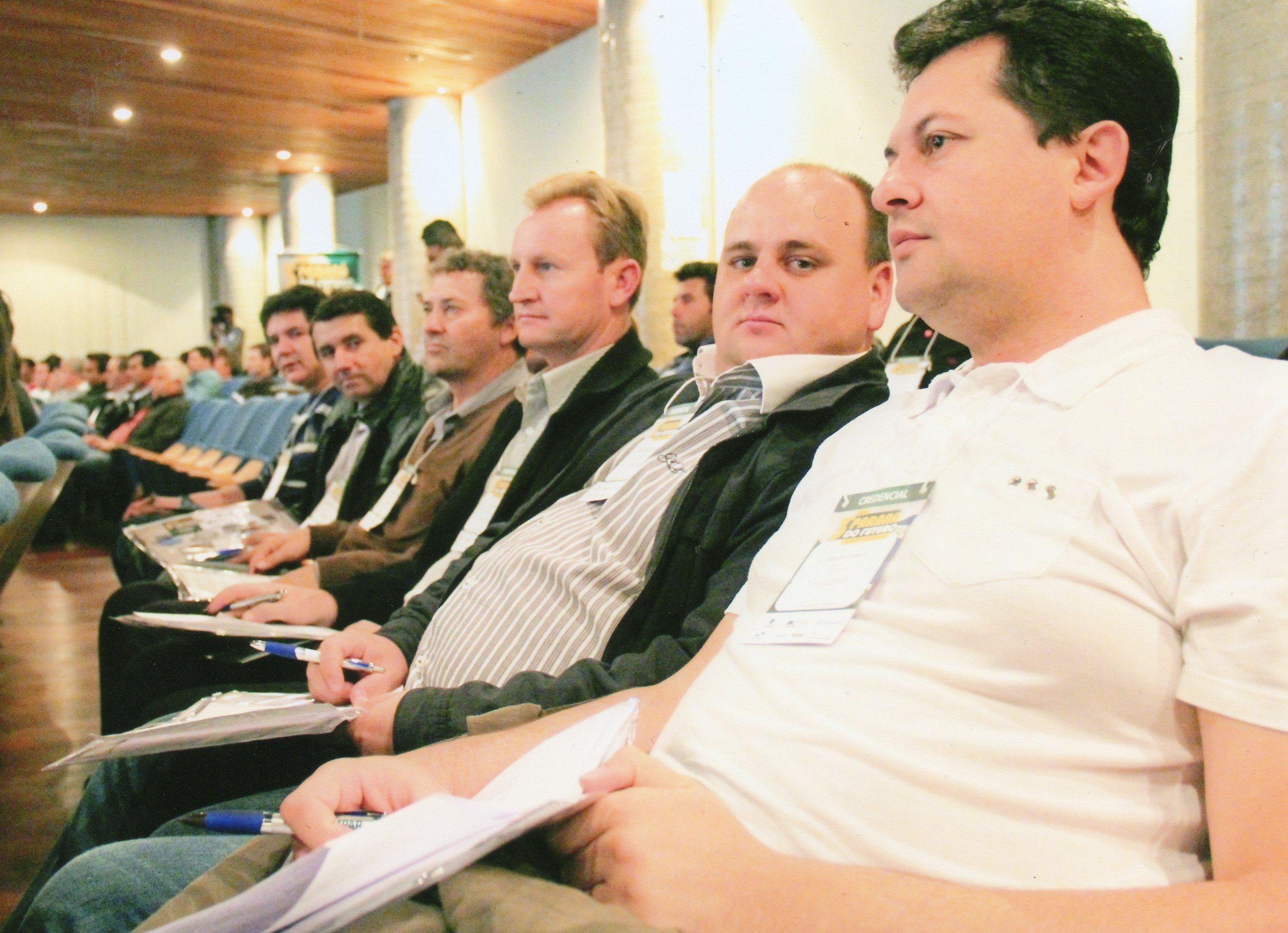 Diversas palestras serviram para promover atualizações e transmitir informações aos vereadores.