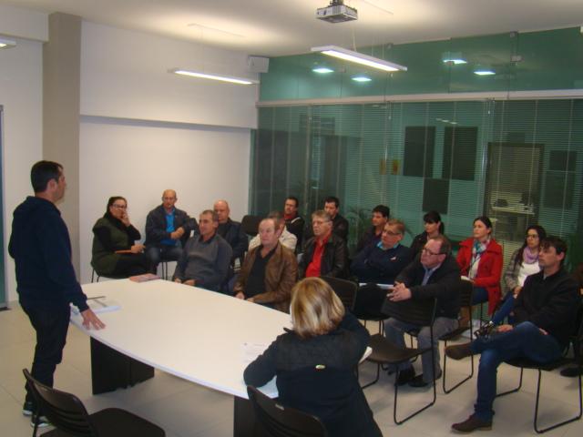 Reuni�es internas discutiram problemas da comunidade
