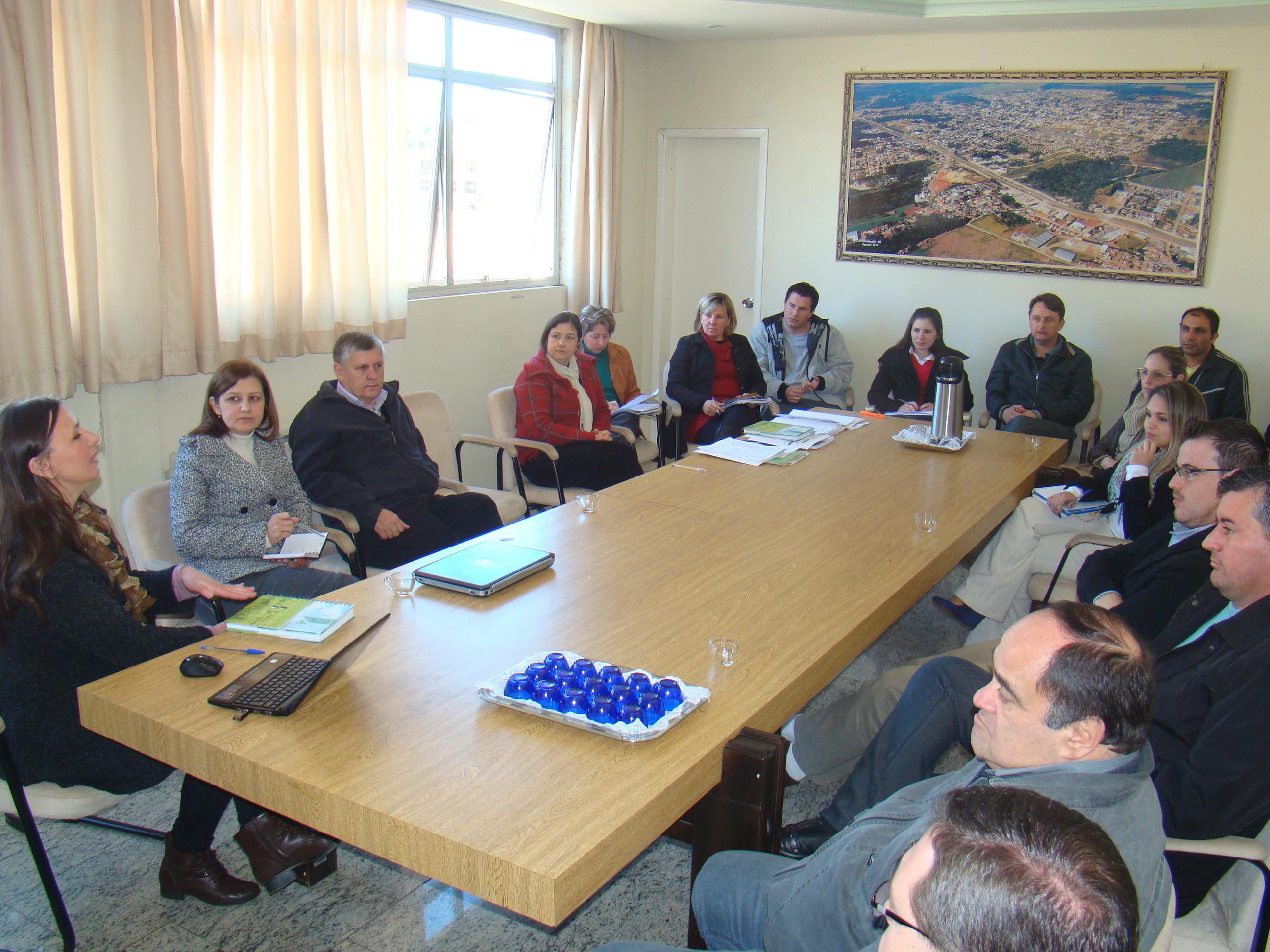 Integrantes do Comit� Gestor participam da primeira reuni�o para definir metas futuras de a��es
