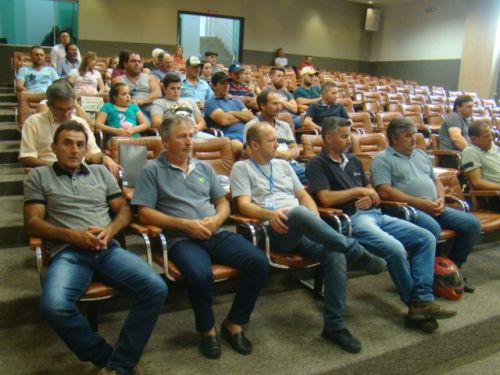 Diversas lideran�as locais estiveram na reuni�o