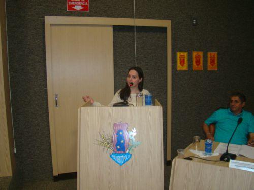 Advogada Ayra Grande de Moura Cordeiro, neta da professora Aura, autora da letra, falou em nome da autora