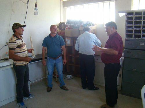 Acompanhando obras de reconstru��o de unidade de sa�de de Papanduva de Cima