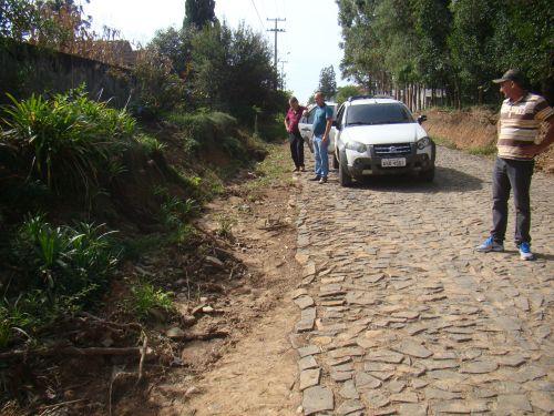 Integrando a Comiss�o de Obras, em visita a projetos de pavimenta��o