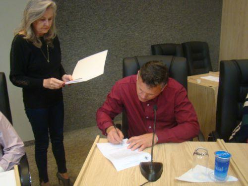 Assinatura do termo de posse