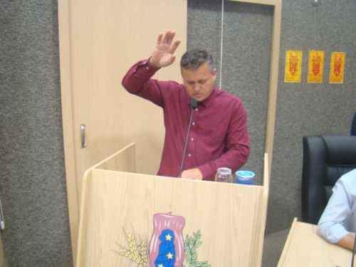 Ivo presta o juramento legal