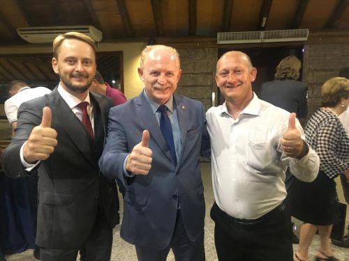 Vereadores Luciano e Budnik junto ao Deputado