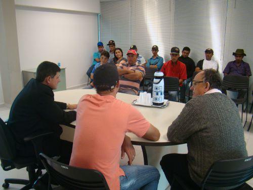 Reuni�o com representantes da comunidade de Linha Santo Antonio