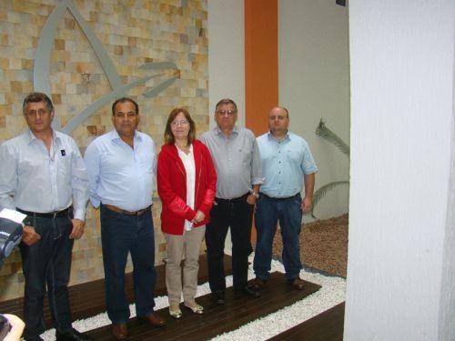 Comitiva de Vereadores em visita � Faculdade Guairac�