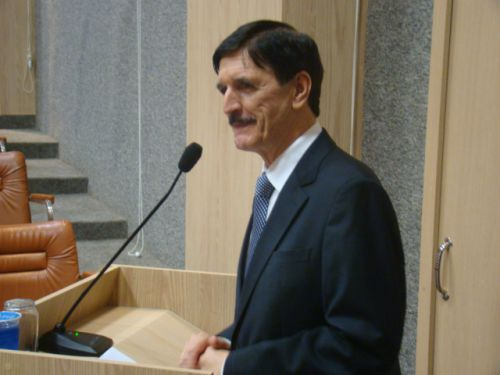Edison Penteado de Carvalho agradeceu a homenagem e fez um hist�rico das santas casas desde suas cria��es