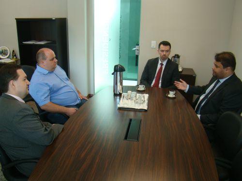 Dr. Ronney e Dr. Jos� Augusto visitaram o Legislativo para falar do programa de cidadania