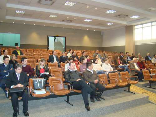 Solenidade de assinatura do protocolo entre Munic�pio e CRC reuniu representantes de diversos segmentos