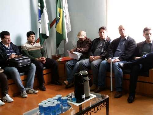 Presidente Makuch, secret�rios e assessores de Prudent�polis acompanharam a discuss�o
