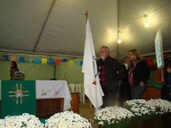 Presidente da C�mara, Vereador Canderoi e esposa, adentram com a Bandeira do Poder Legislativo.