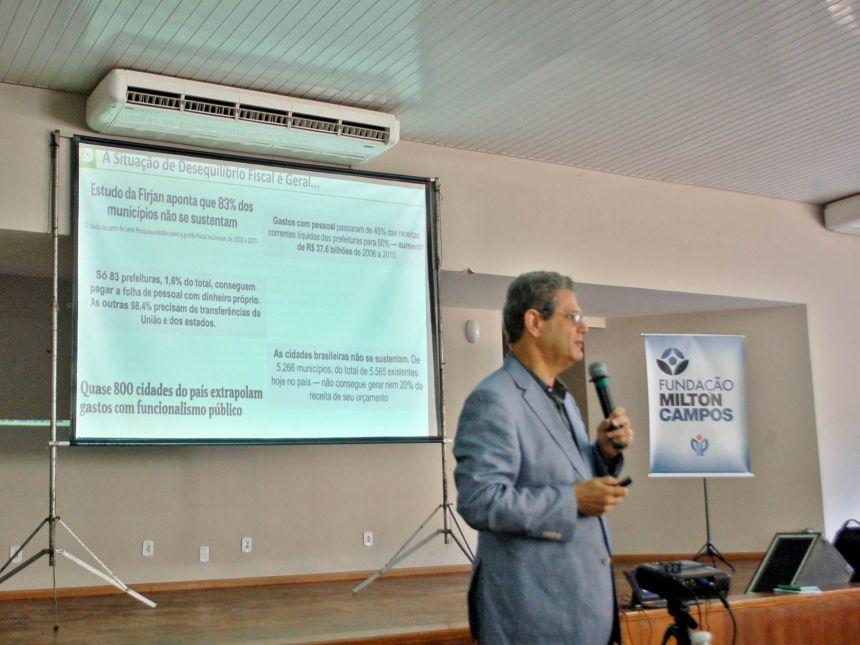 Prefeito de São Tomé participa de curso sobre gestão competente