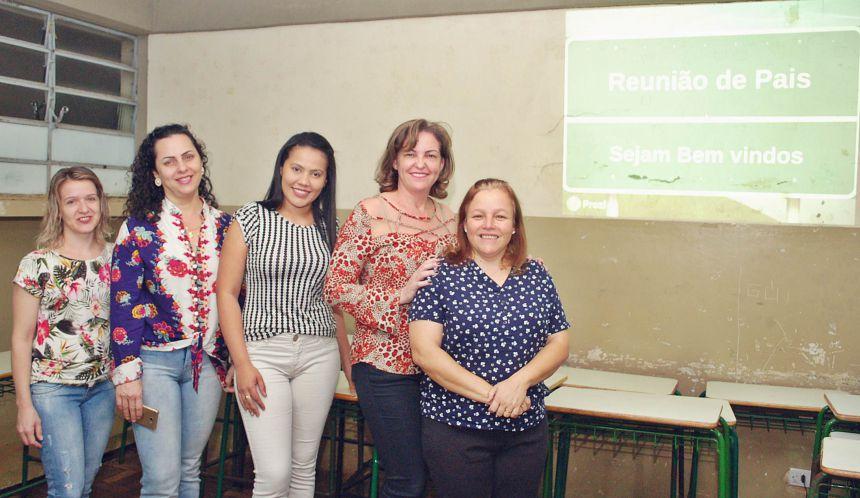 Prefeitura promove palestra para pais de alunos da escola Pedro Fecchio