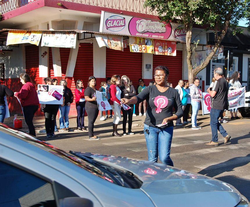 Diretores realizam ato público pelo fim da violência contra as mulheres