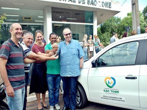 Prefeitura recebe veículo para ser usado na assistência sociais