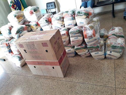 Administração  distribui kits alimentação para alunos da rede municipal