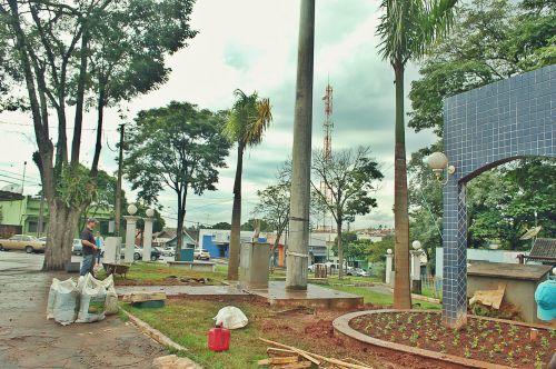 Prefeitura  inicia a revitalização da praça Professor Pedro Fecchio