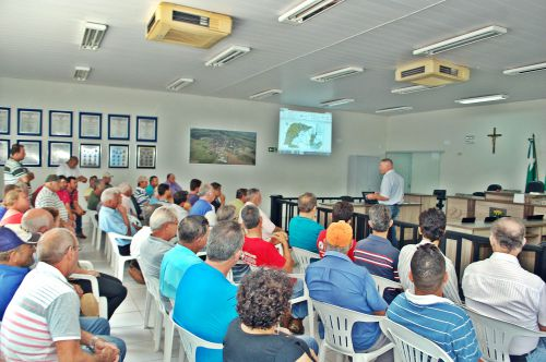 Prefeitura realiza reunião com agricultores para definir metas em microbacias