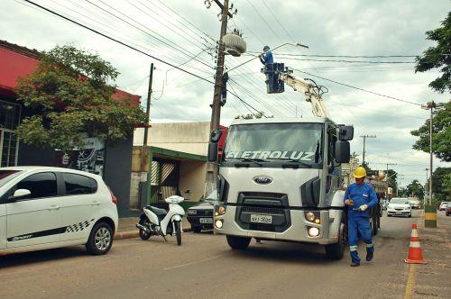 Prefeitura  inicia reforma e adequações na avenida central da cidade
