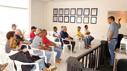 Prefeitura  promove palestra sobre cultivo de tomates para produtores