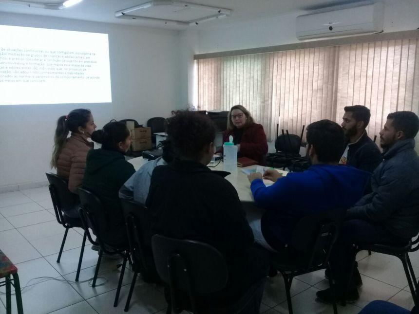 Capacitação Permanente do Orientador Social, e, os Educadores Sociais do Serviço de Convivência e Fortalecimento de Vínculos - Anjos da Guarda.