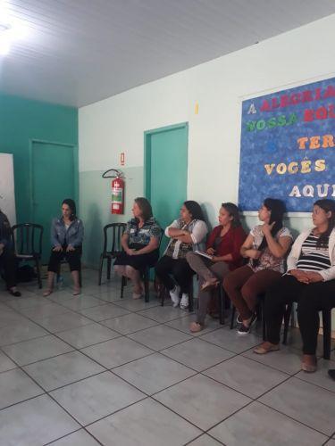 Formação com os professores do CMEI Castelo Encantado