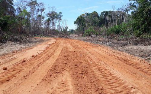 Máquinas da Secretaria de Obras atuam na recuperação de 38 quilômetros de estradas em São Lourenço