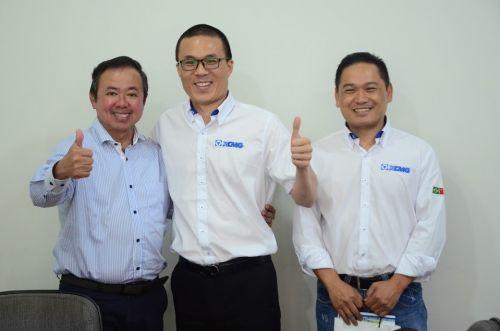 REPRESENTANTES da empresa chinesa realizaram reunião com o prefeito e secretário na Prefeitura