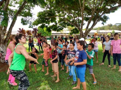 Cras participa de evento em parceria com a Fama para orientar famílias sobre projetos sociais