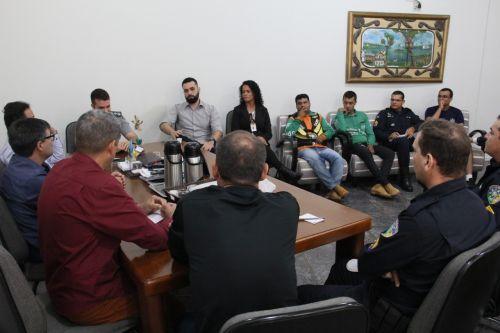Prefeitura firma convênio com PM para regularização do trânsito na cidade com ações educativas e fiscalizatórias