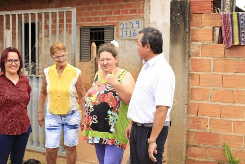 Máquinas no Cristo Rei: Prefeitura inicia operação de retirada de entulhos das ruas