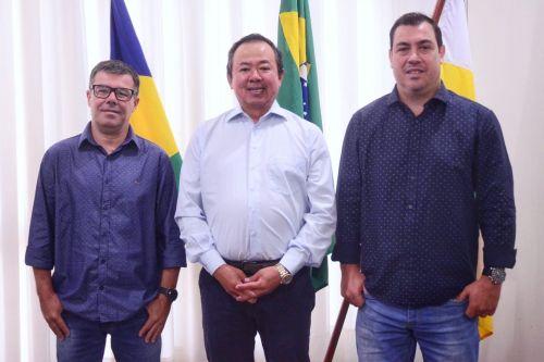 REUNIÃO com secretários que assumem hoje definiu novas peças chave à frente da administração municipal