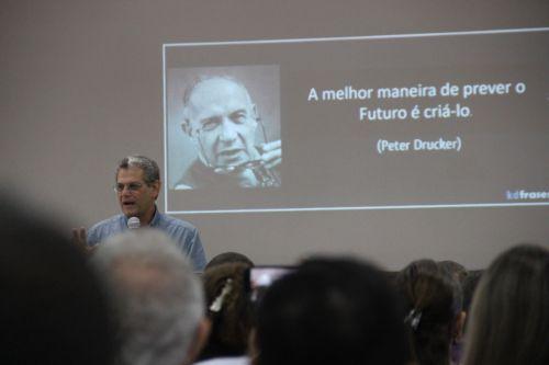 PLANEJAMENTO de longo prazo foi um dos tópicos enfatizados pelo ex-prefeito de Maringá