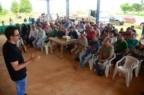 EVENTO reuniu dezenas de pequenos produtores e apresentou técnicas de enxerto que podem multiplicar produção de hortaliças