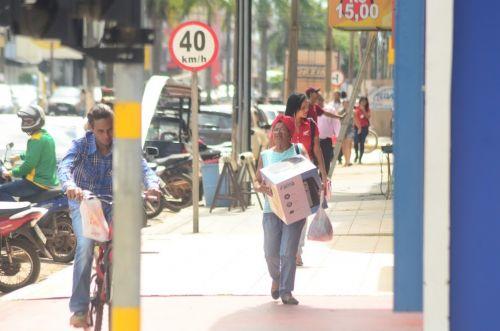 É NESTA SEXTA: Black Friday impulsiona comércio que volta a apostar em promoções em bom momento da economia local