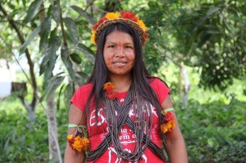 INDÍGENAS mostram artesanato e vestimentas em visita da FCV e Semcom às aldeias próximas de Vilhena