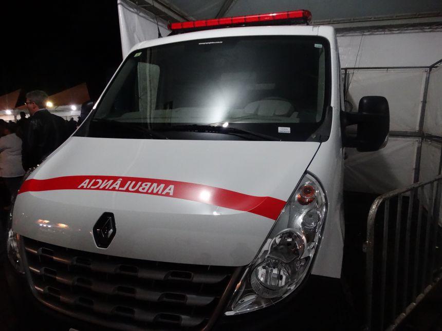 Entrega de ambulância e repasse de recursos para Turvo