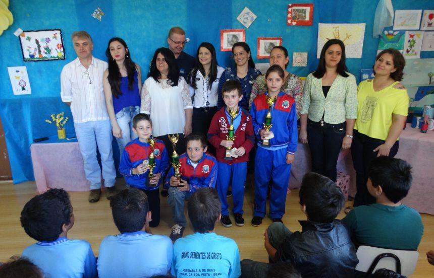 Alunos da educação inclusiva são premiados em projeto