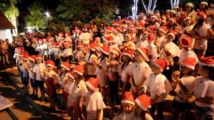Natal na praça emocionou