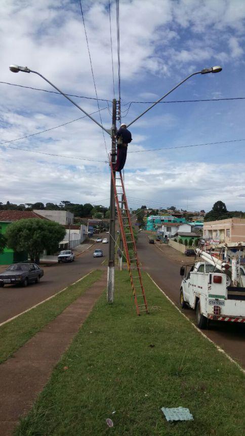 Manutenção da rede de iluminação pública retoma seus trabalhos