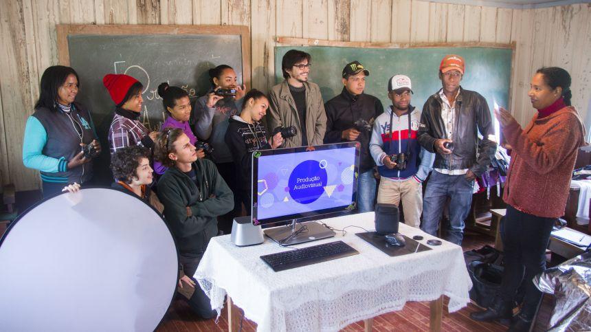 Jovens da Campina dos Morenos participam de Oficina de Produção Audiovisual
