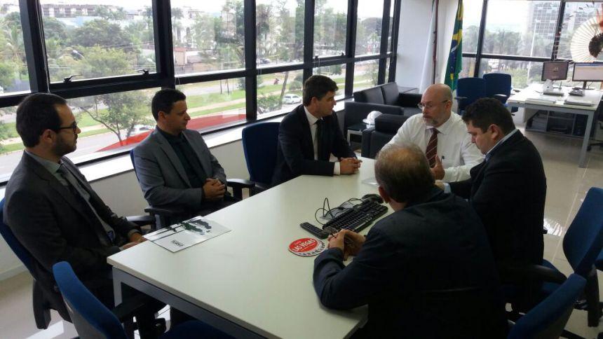 Prefeito busca recursos em Brasilia