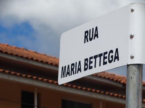 Pav. poliédrica na Rua Maria Bettega